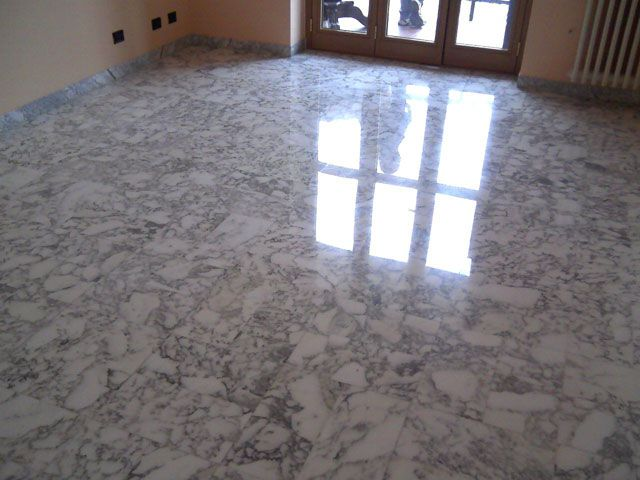 Cristallizzazione dei pavimenti in marmo negli anni 60 70 erano molto in uso i pavimenti in - Piastrelle anni 70 ...