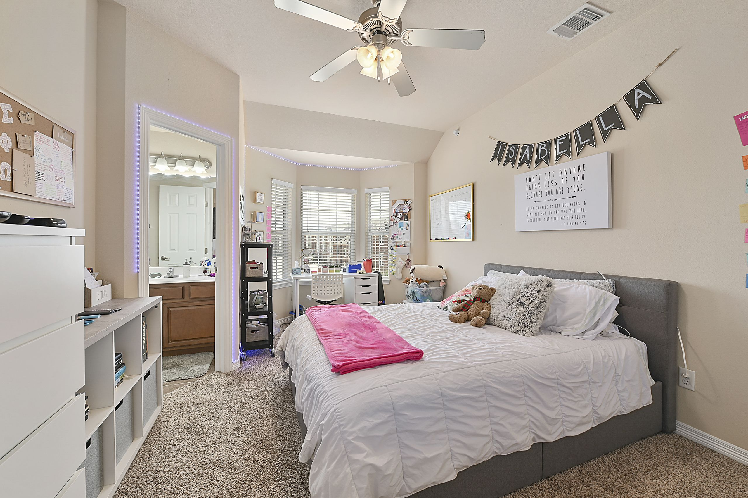 1198 Jones Butler Rd Unit 102 College Station Tx 77840 In 2020 Real Estate Houses Home Keller Williams Realty