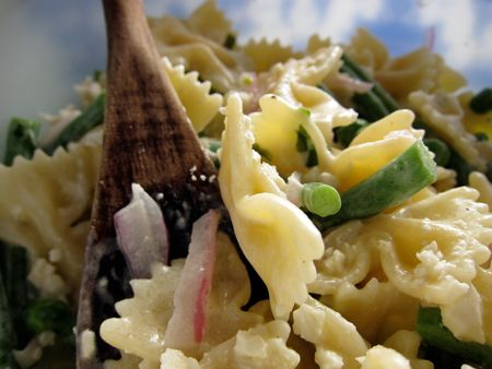 Quick and Easy Summertime Pasta Salad
