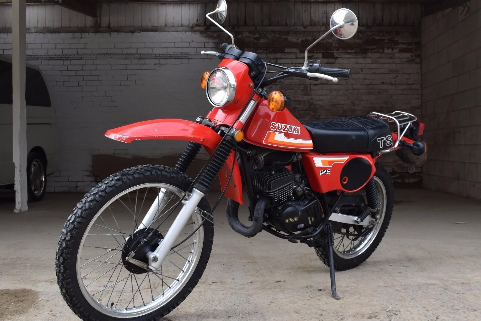 This is a 1980 TS1252 twinshock, twostroke dualpurpose