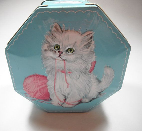 Vintage 1960s Decorative Candy Cat Tin Made In England By Capricornonevintage 20 00 Vintage Tins White Fluffy Kittens Tin