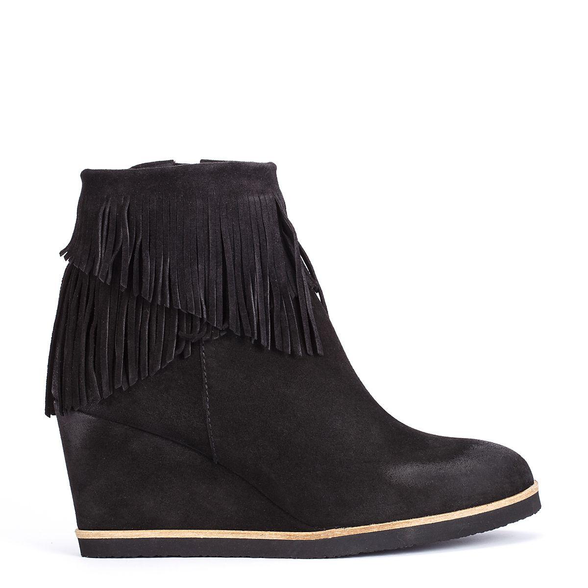 #zapatos #botín #plataforma #flecos de la nueva colección #AW de #pedromiralles en color #negro #shoponline