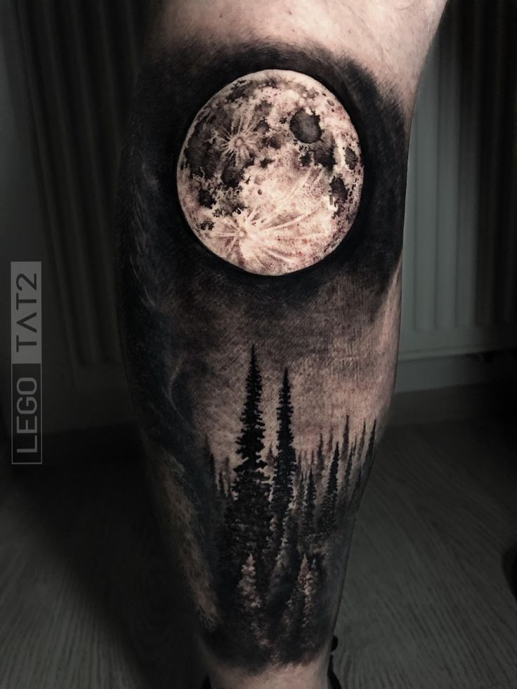 Black and Grey Moon Tattoo - Realistisches Black Art Tattoo von Lego Tat2 #fores ... #moon