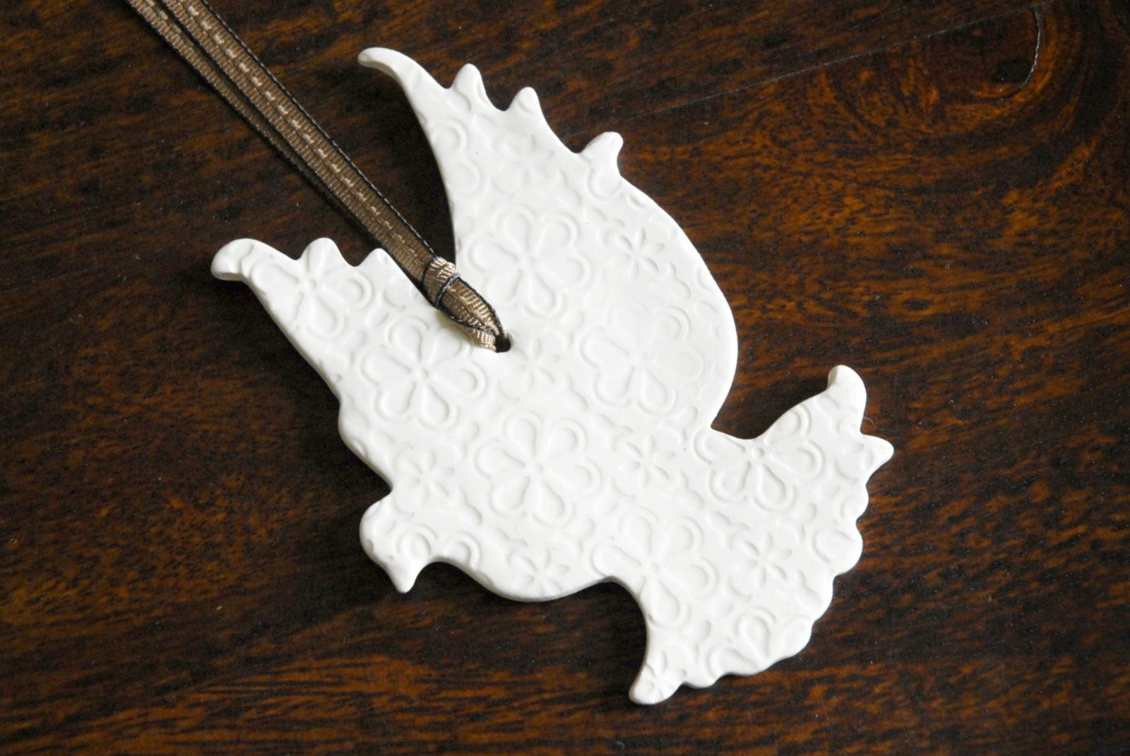 White dove ornament - Porcelain Christmas Ornaments Pair Of Ceramic White Dove Christmas Ornaments Felt