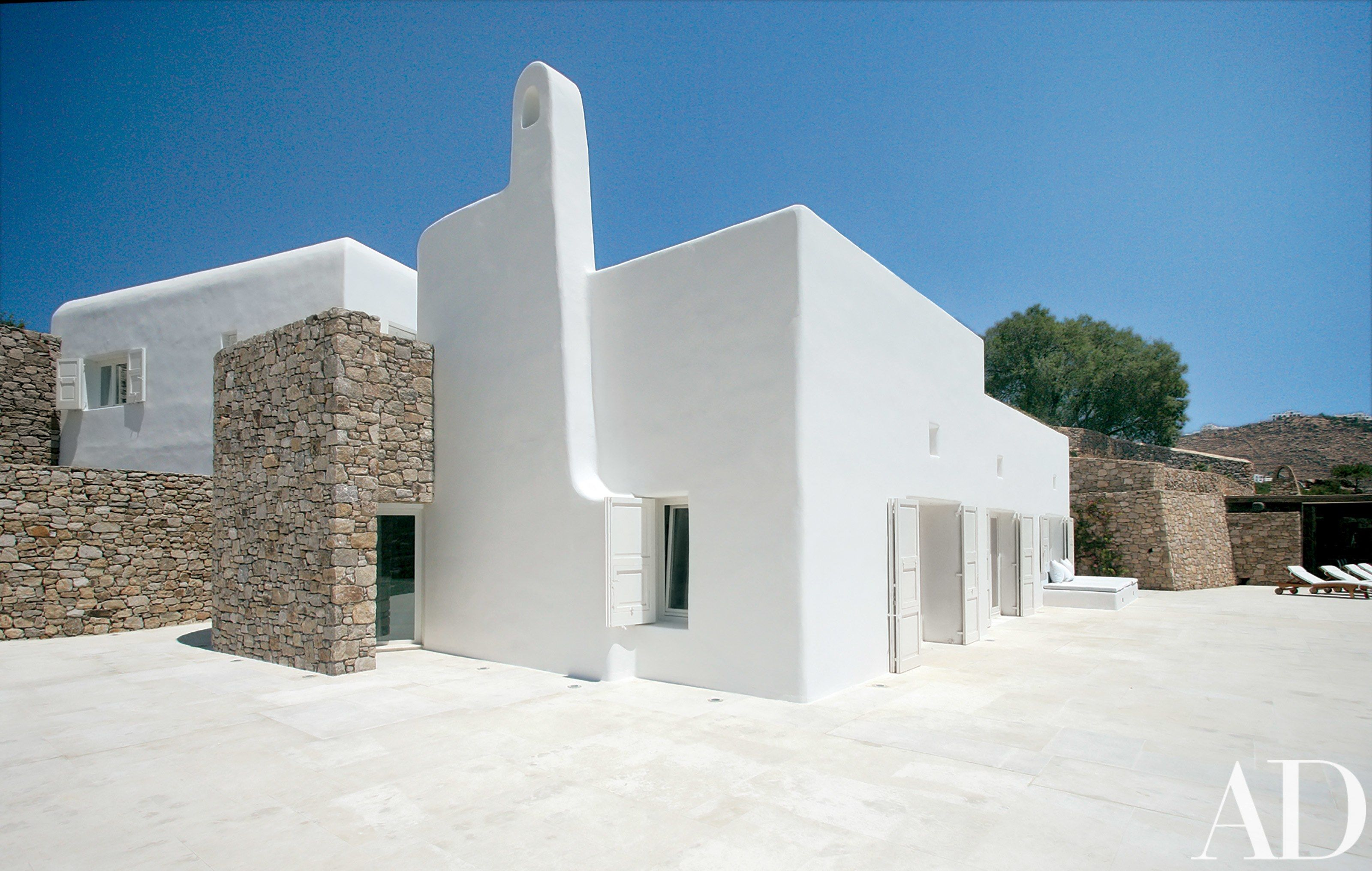 Beautiful White Houses That Suit Any Style | Exterior paint colors ...