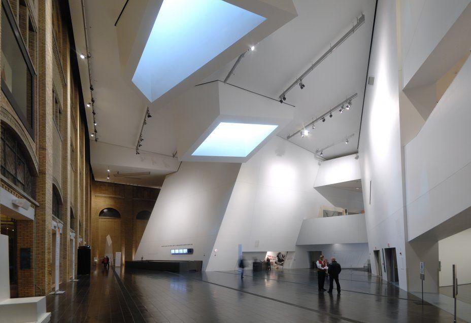 Royal Ontario Museum a Toronto, arch. Daniel Libeskind, photo © Michele Nastasi