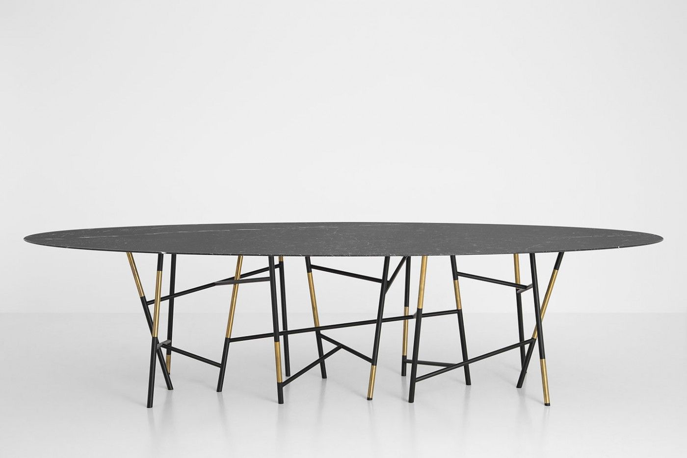 TAVOLO 063   DIMOREGALLERY Elliptical Table With Structure In Matte Black  Painted Metal And Polished Brass