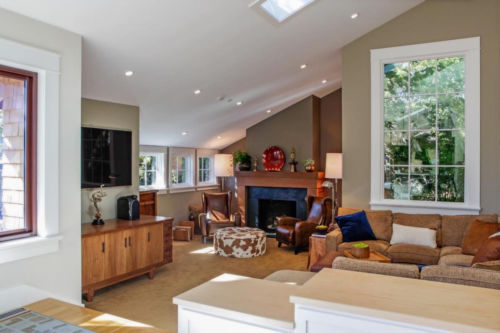 45 Stunning Slanted Ceiling Living Room Ideas Decore