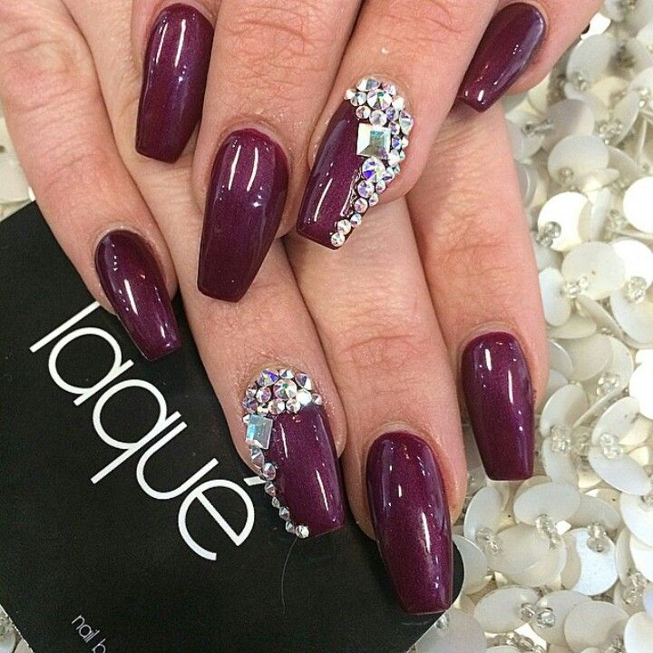 Laque Nail Bar Plum Square Tip Acrylic Nails W Rhinestones Rhinestone Nails Coffin Shape Nails Nails Design With Rhinestones