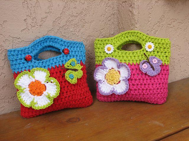 Girls Purse with Big Flower pattern by Eva Unger   Divertido, Bolsos ...