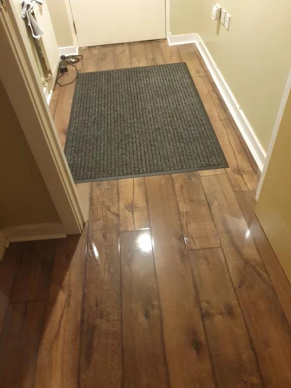 Wickes Chenai Dark Oak High Gloss Laminate Flooring 2 19m2 Pack Wickes Co Uk Laminate Flooring Laminate Flooring