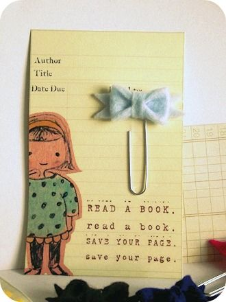 Rebekaha The little bookmarker would make such a cute gift (Free - library card template