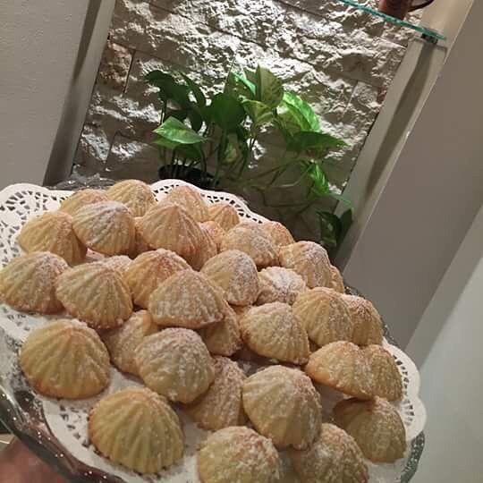 معمول بالكيري حلويات العيد من حساب Maysa Mohamed Recipes 6 حبات كيري معلقة فانيلا 8 م ك سكر ناعم إصبعين زبدة كل اصبع 100 غرام تخلط مع بع Food Pastry Breakfast