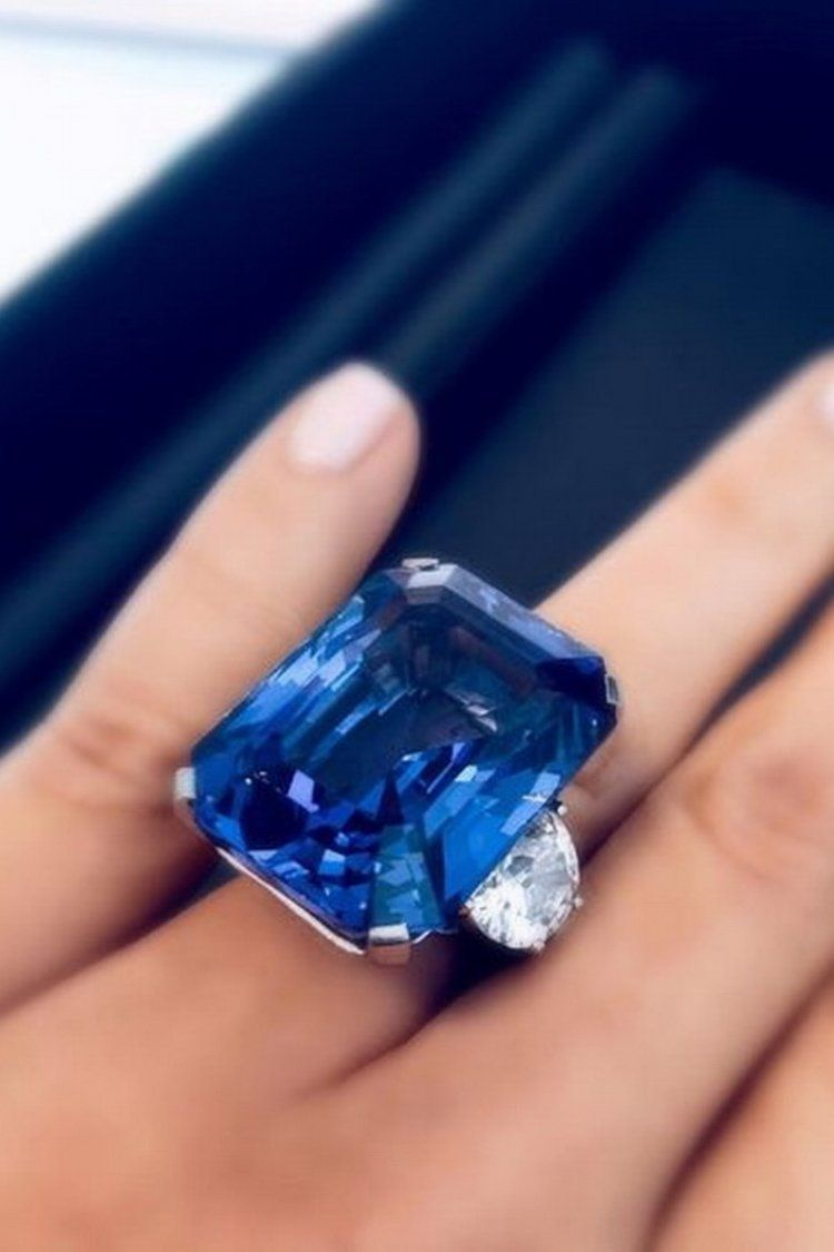 Unforgettable 63 Carat Sapphire Ring By Tiffany Co Jewelry Fabulous Jewelry Sapphire Jewelry