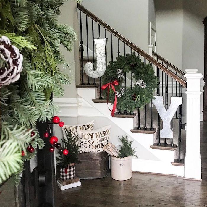 15 festliche Weihnachtstreppe Dekor Ideen #staircaseideas