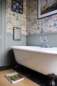 Afbeeldingsresultaat voor watervast behang badkamer - bookshelves ...