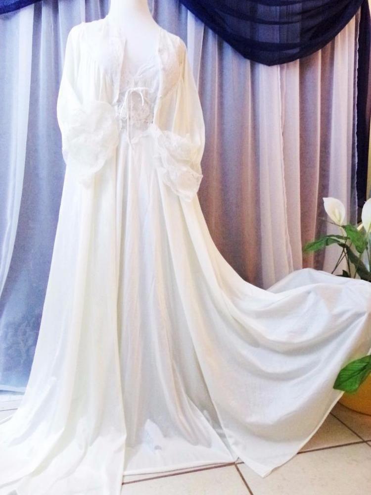 Vtg. S.2 pc Set White Olga semi sheer sweep vintage nightgown peignoir robe lon #OlgaBridalwhite