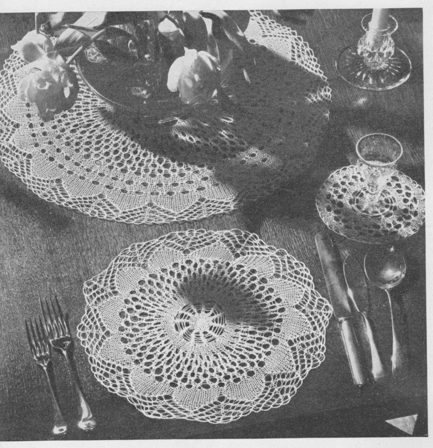 391 Place Mats Table Set Crochet Pattern. Table Decor Home Decor Table Setting Download No shipping Free pattern Offer Vintage 1940u0027s  sc 1 st  Pinterest & 391 Place Mats Table Set Crochet Pattern. Table Decor Home Decor ...