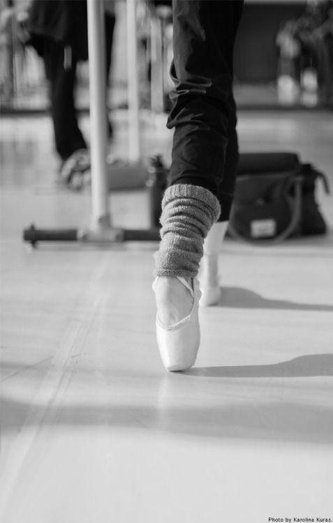 Tendu a la seconde at the ballet barre. random beauty   nationalballet: Studio Life: Pointe, flex,...