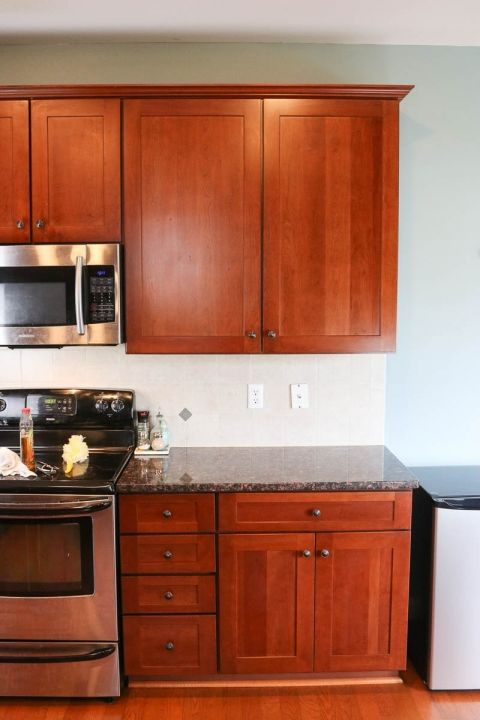 How to Clean Kitchen Cabinets so they SHINE! - Self Cleaning Home ...