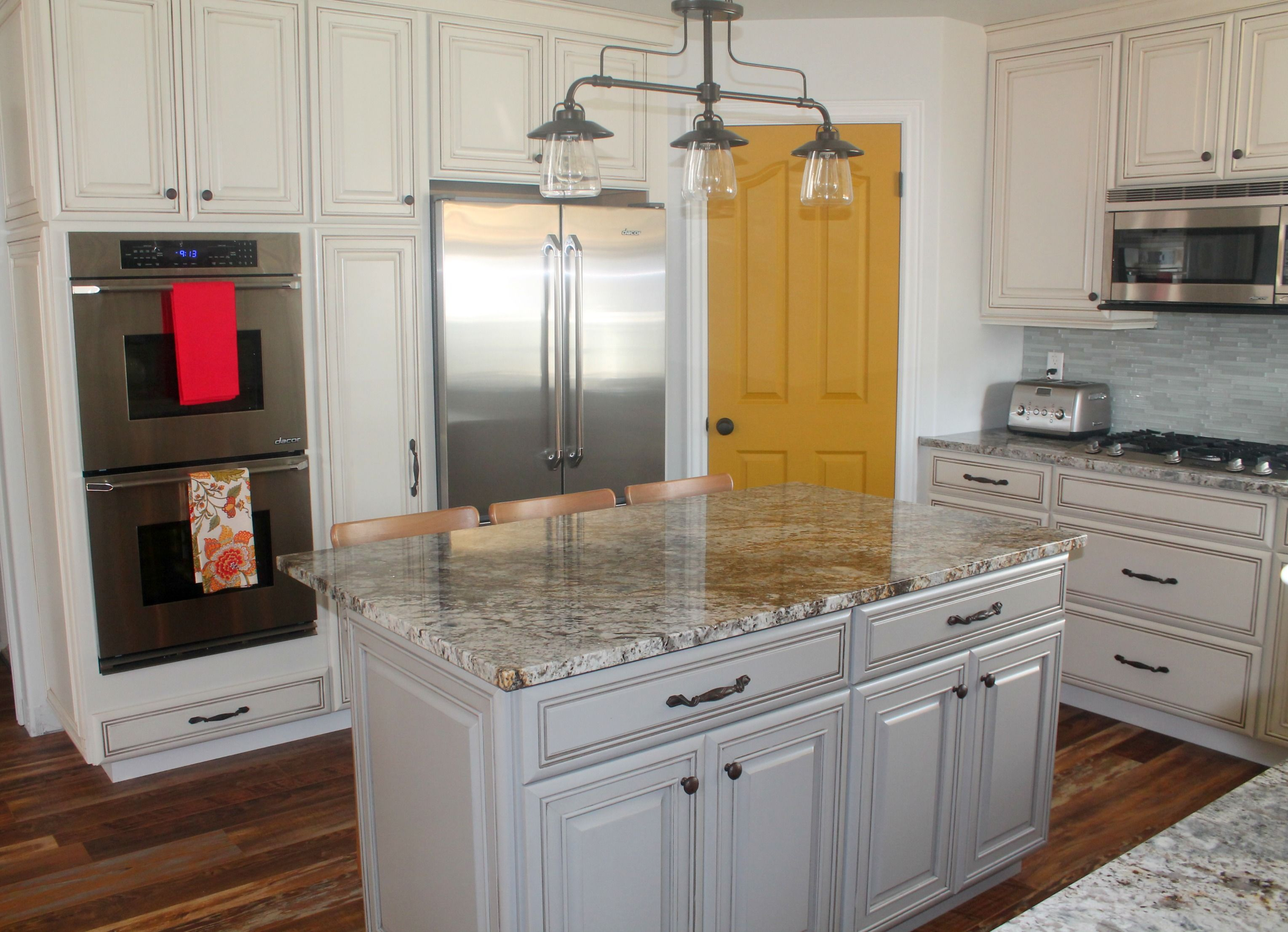Singer kitchens cabinets to go new orleans stocked cabinets singer - Our Selena Style Diamond Cabinets Give Elyse S Kitchen A Whole New Look