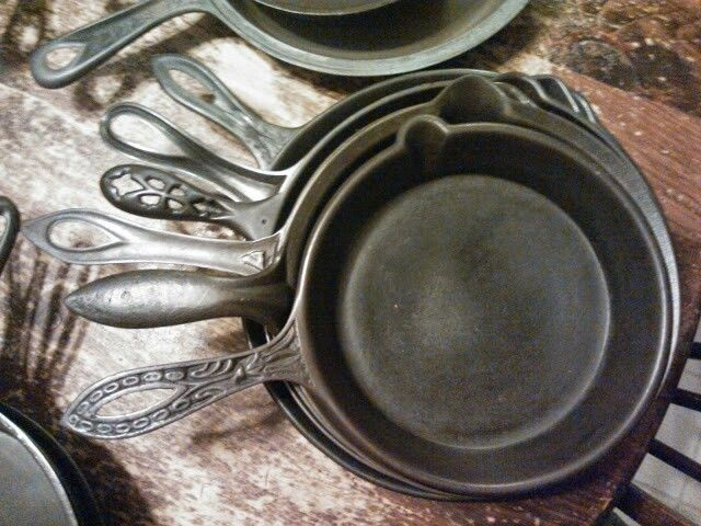 ornate fancy antique pan skillet frying 19th 1800's gate gatemark gatemarked