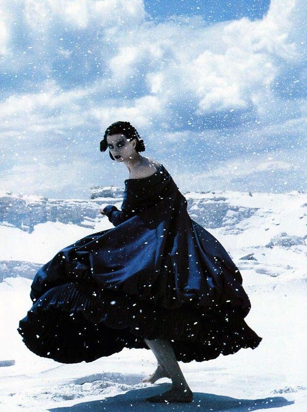 Nuits Blanches. Vogue Paris, November 1991. Photographer: Christian Moser. Model: Kristen McMenamy. Callaghan, Fall 1991