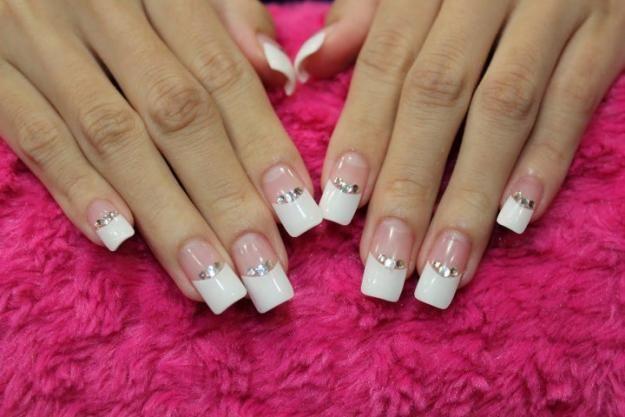 Punta Blanca Con Piedras 160 Unas Pinterest Bridal Nails