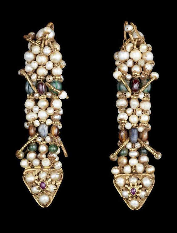 South India | Pair of emerald, ruby and pearl-set gold Ear Ornaments | 18th - 19th century