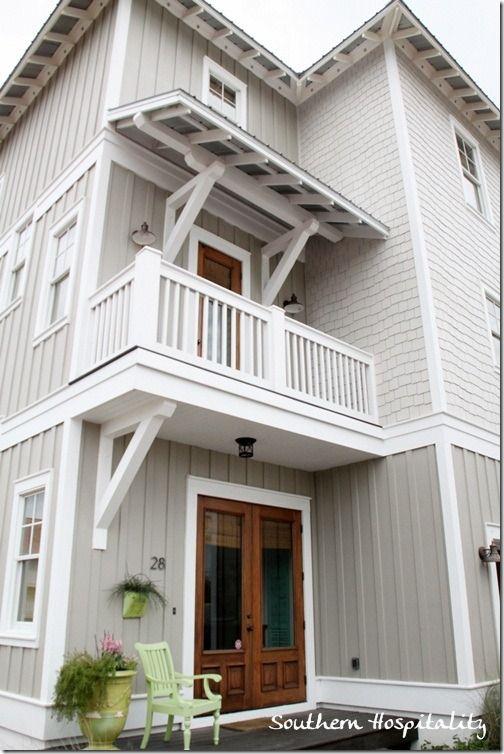 Seaside sister lynn 39 s beach house exterior beach - Beach house colour schemes exterior ...