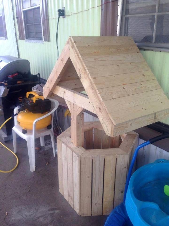 Build Wood Pallet Wishing Well 101 Pallet Ideas Diy Woodwork