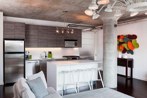 Salón con cocina de apartamento | Comedores | Pinterest ...
