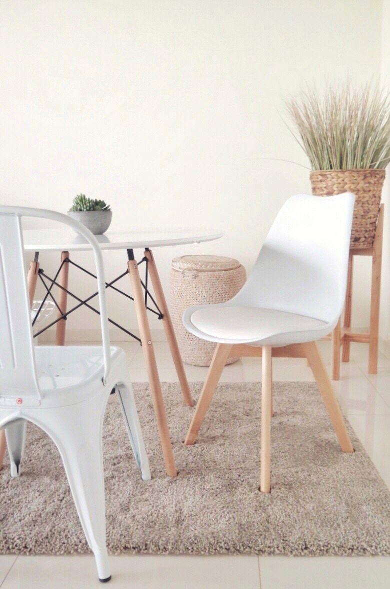 6b6a6ef38 Silla Tulip Blanca, Silla Tolix Blanca, Mesa Eames Blanca, Ambiente  minimalista, Cálidos