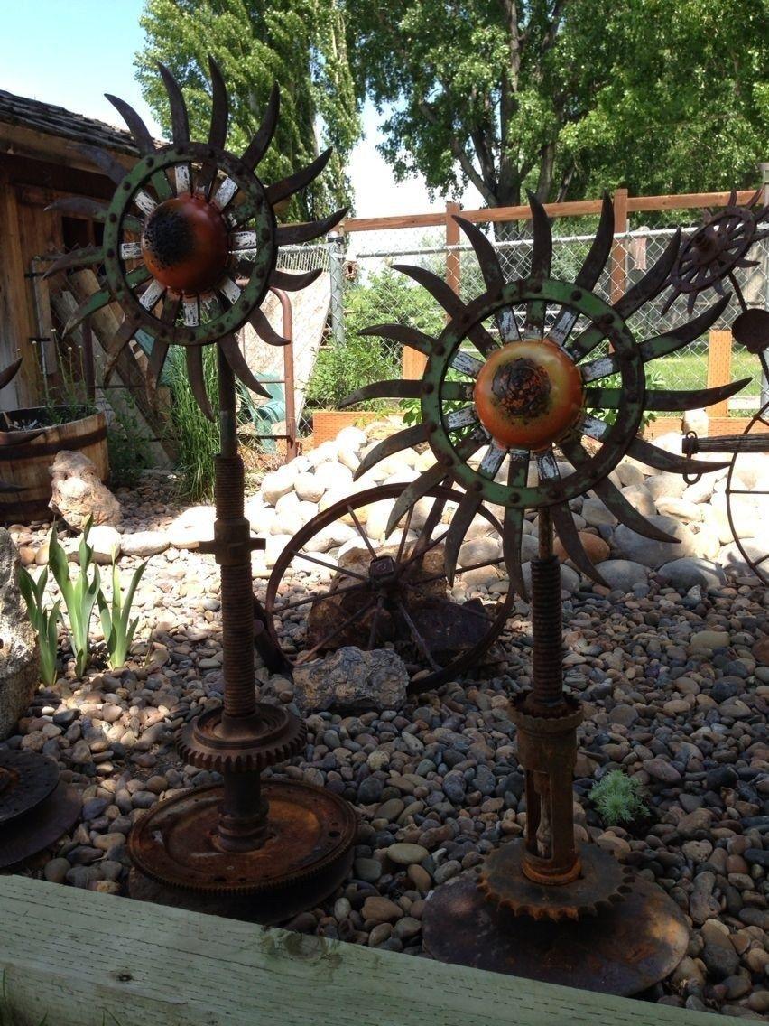 40 simple but amazing outdoor metal garden art ideas