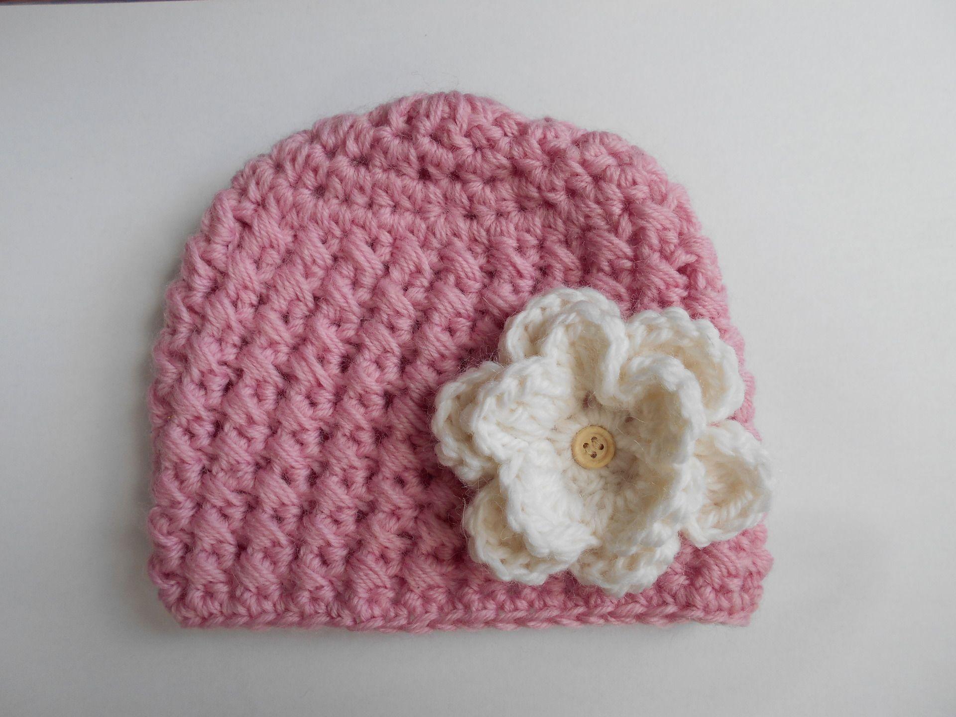 5bebb733262e7 bonnet bebe fille 100% laine vierge rose et blanc casse' fait main au  crochet