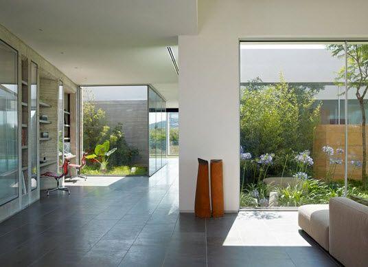 Casa con dise o minimalista de un piso fotos dise o for Imagenes de interiores de casas minimalistas