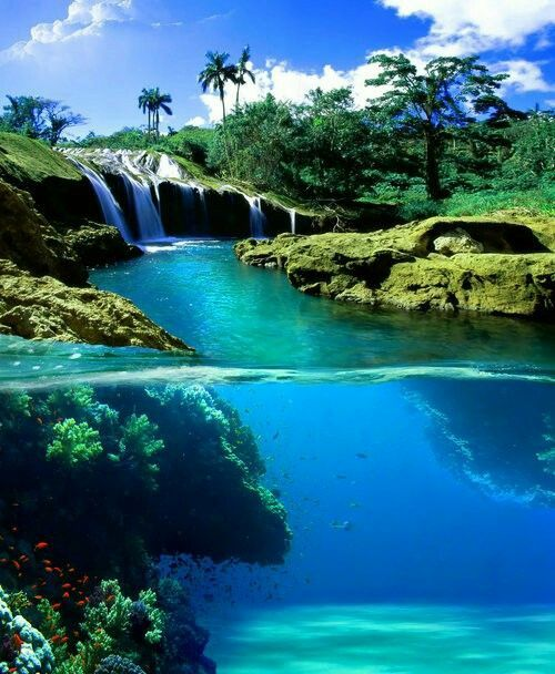 Split View waterfall, Hawaii USA