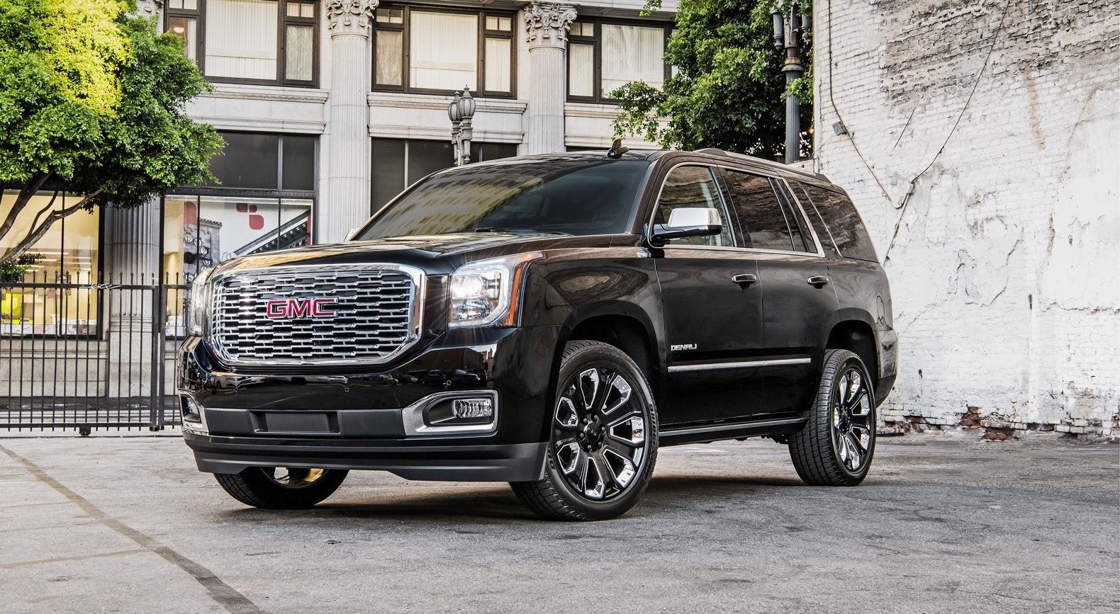 Beautiful 2019 Yukon Denali Ultimate Black Package Gmc Trucks Gmc Suv Gmc