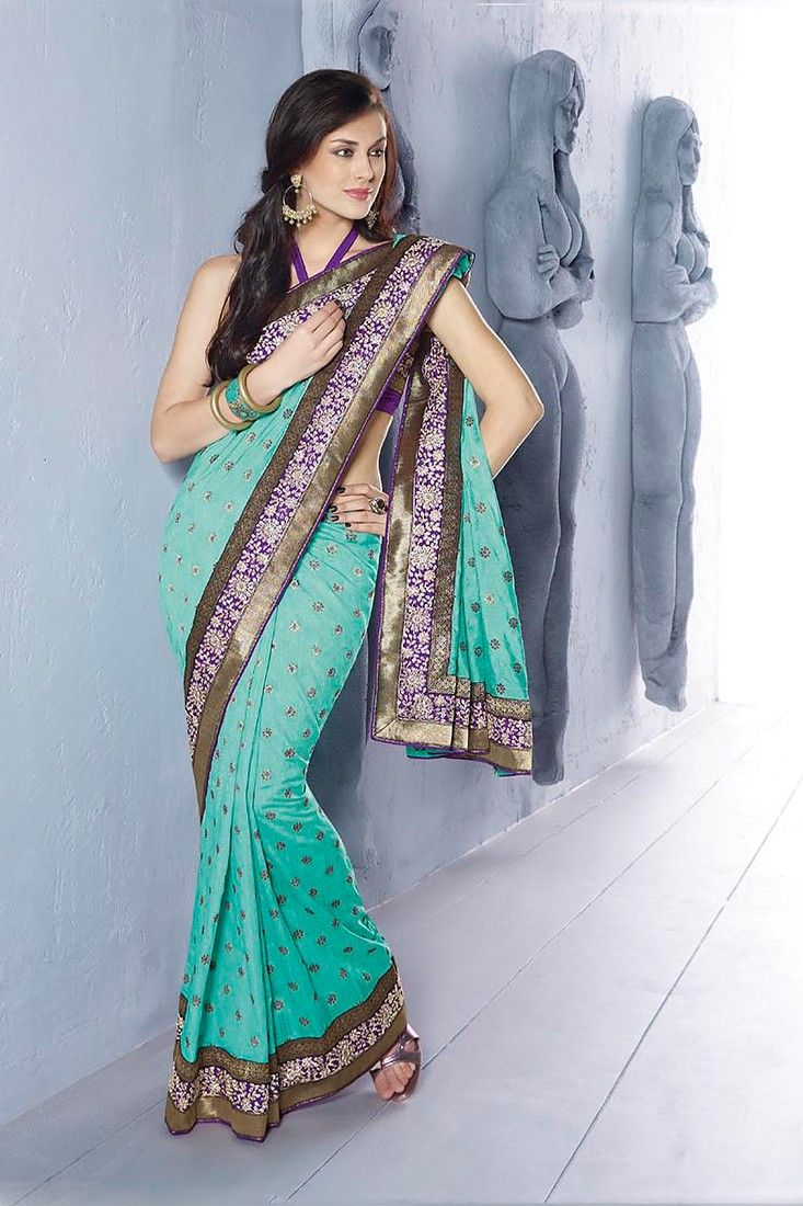 Green Color Designer Saree.Sensible Colors & Excellent Designs And Romantic Moods Are Reflected With An Alluring Style.