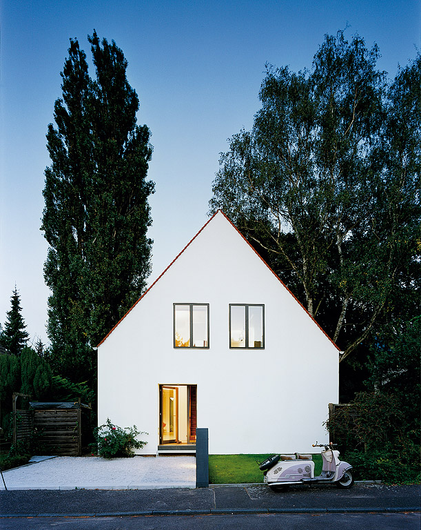 H user award 2007 umbauen statt neubauen home for Minimalistisches haus grundriss