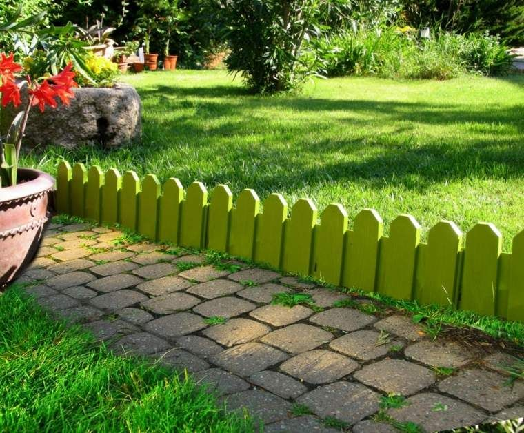 Bordures De Jardin 20 Idees Originales Avec Images Bordure Jardin Bordure Jardin Bois Jardins