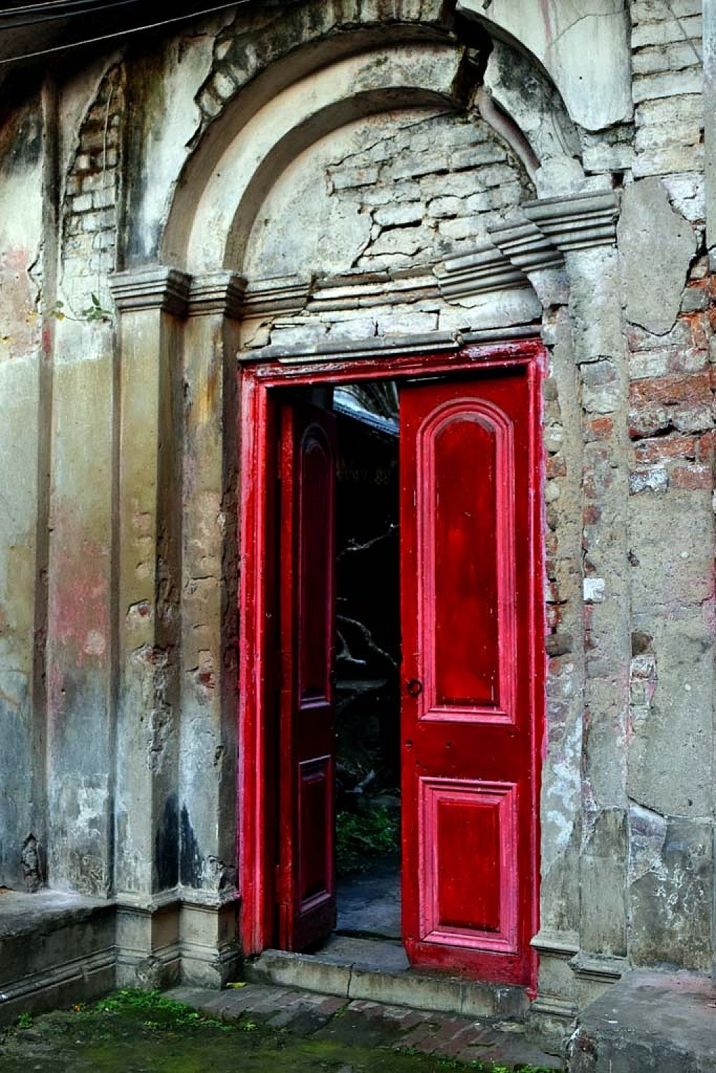 Incroyable The Red Door The Old #door At North #kolkata. #India