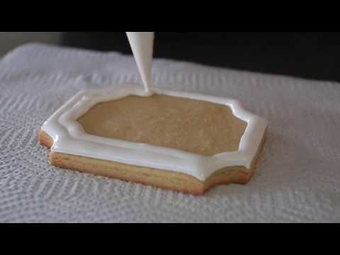 The Best Royal Icing/Frankenfrosting Recipe (no colour bleed, soft bite & puffy icing)