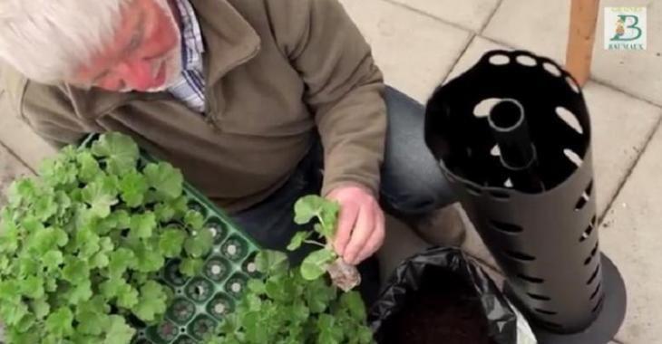Comment monter une jardini re dans une tour truc et - Comment monter une serre de jardin ...