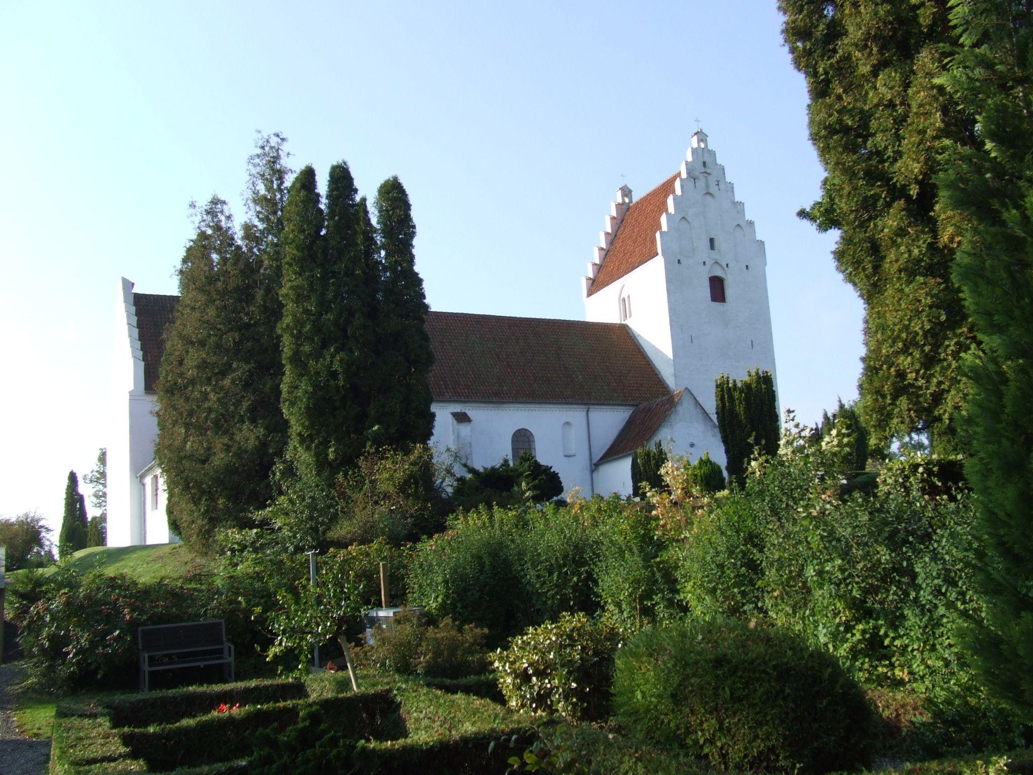 Oster Egesborg Kirke Oster Egesborgvej 6 4735 Mern Kirke