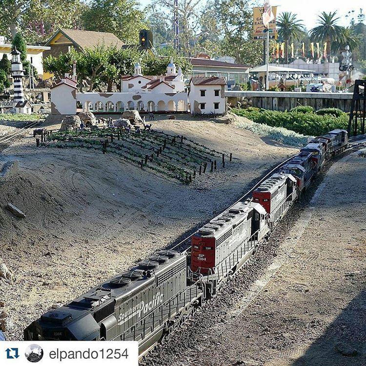 https://flic.kr/p/yk2jbq | A train a day.  #atrainaday #gscale #gardenrailroad #train
