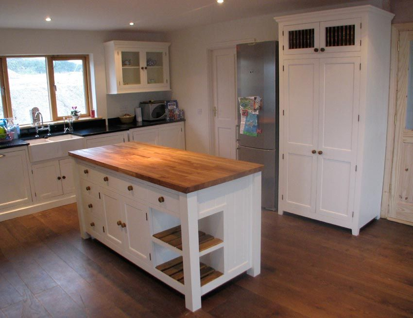 Superb Solid Timber Handpainted Kitchen, With An Island Unit.