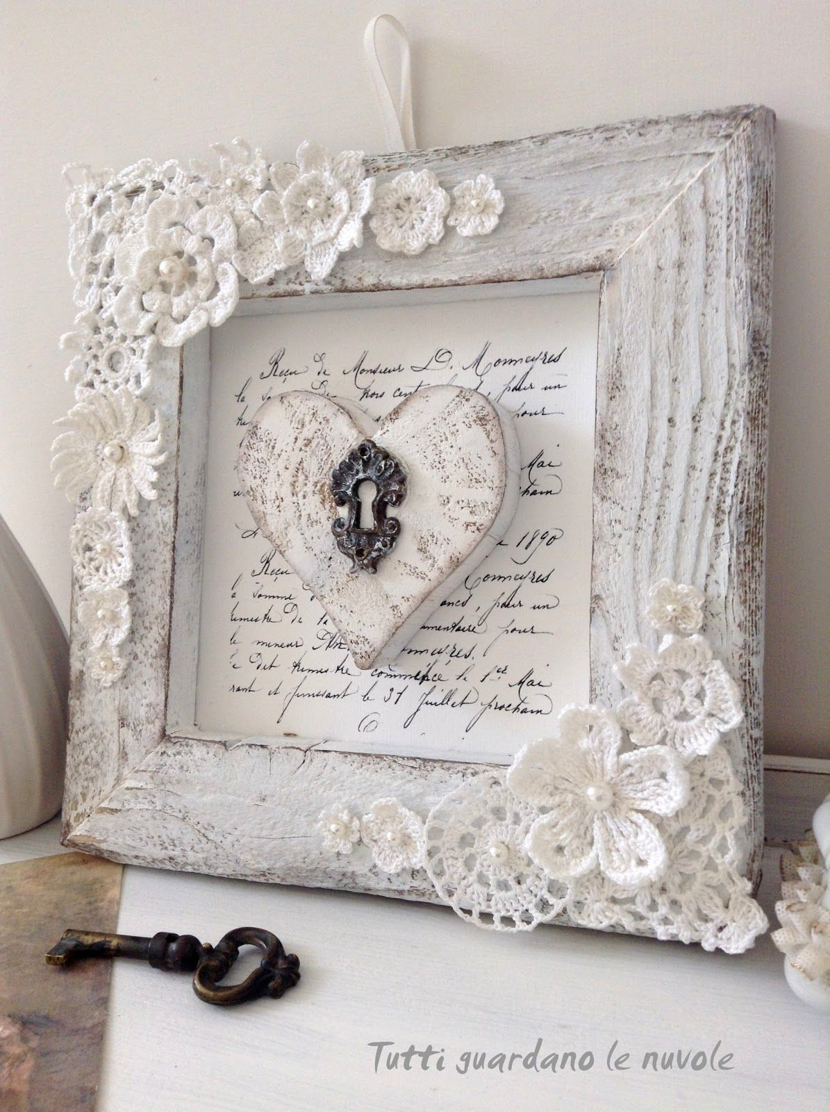 Everyone looks at the clouds romantic shabby chic diy signs pinterest cuadro marcos y - Cuadros shabby chic ...