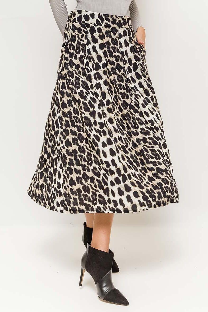 7c864ed9d44d Dlhá biela sukňa s leopardím vzorom