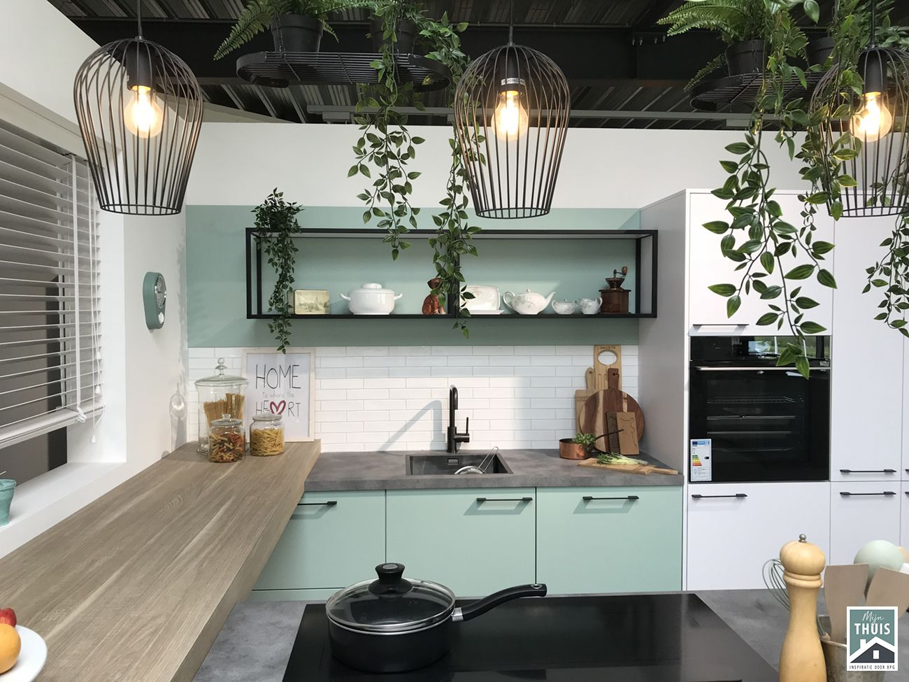 Mint Groene Keuken : Mint groene keuken beton look blad bij mijn thuis de schouwse
